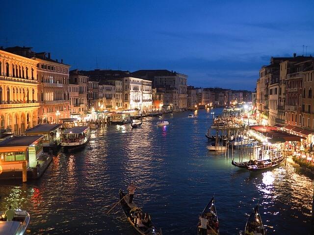 ונציה בלילה