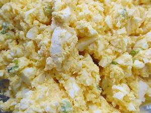 סלט ביצים קל להכנה