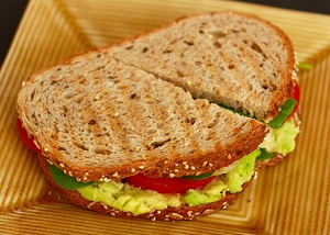 סנדוויץ אבוקדו טעים