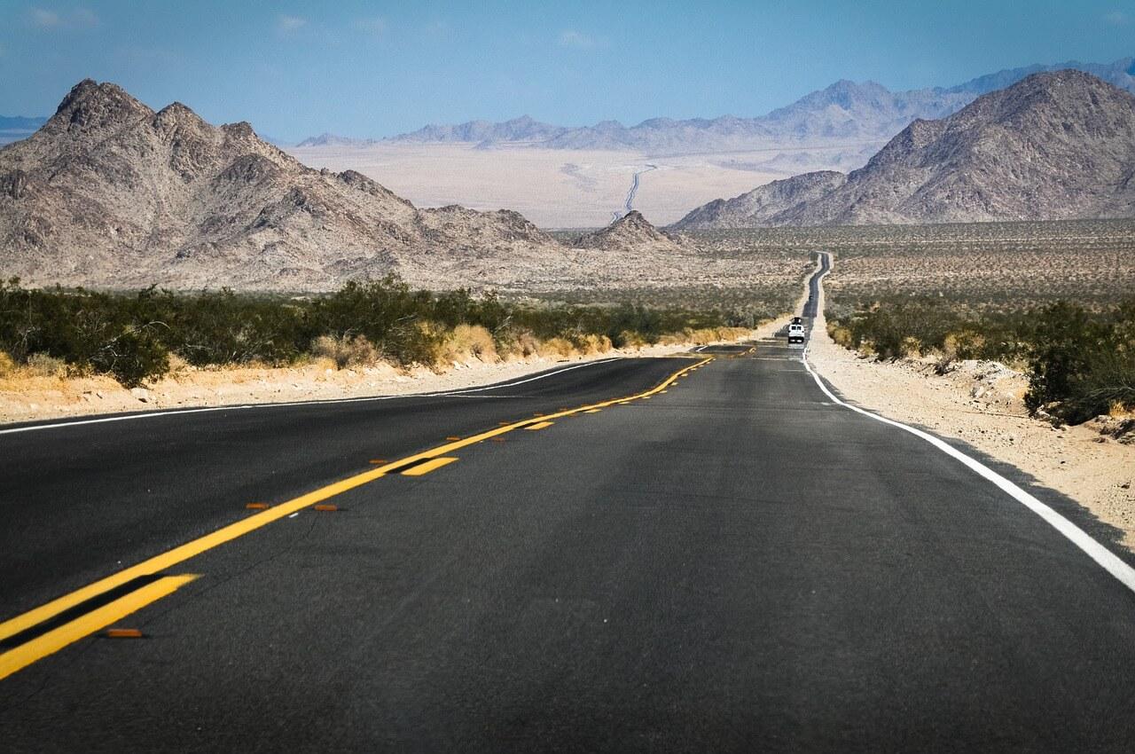 כביש במדבר