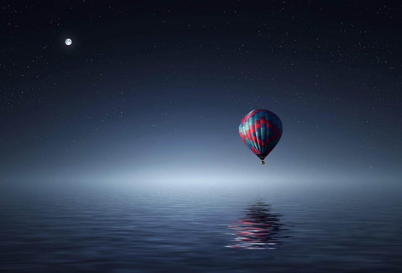 בלון פורח בלילה