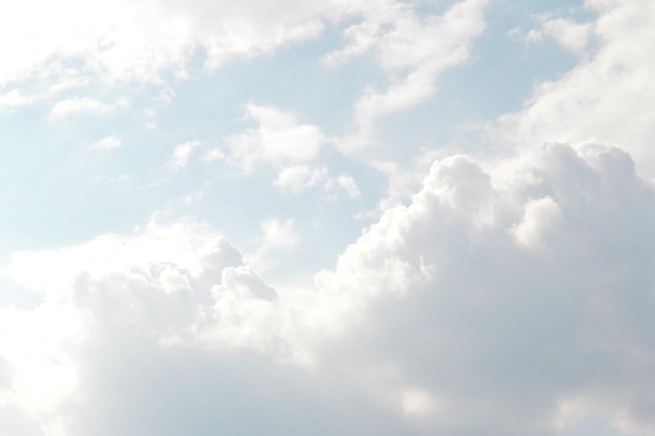 רקע של עננים