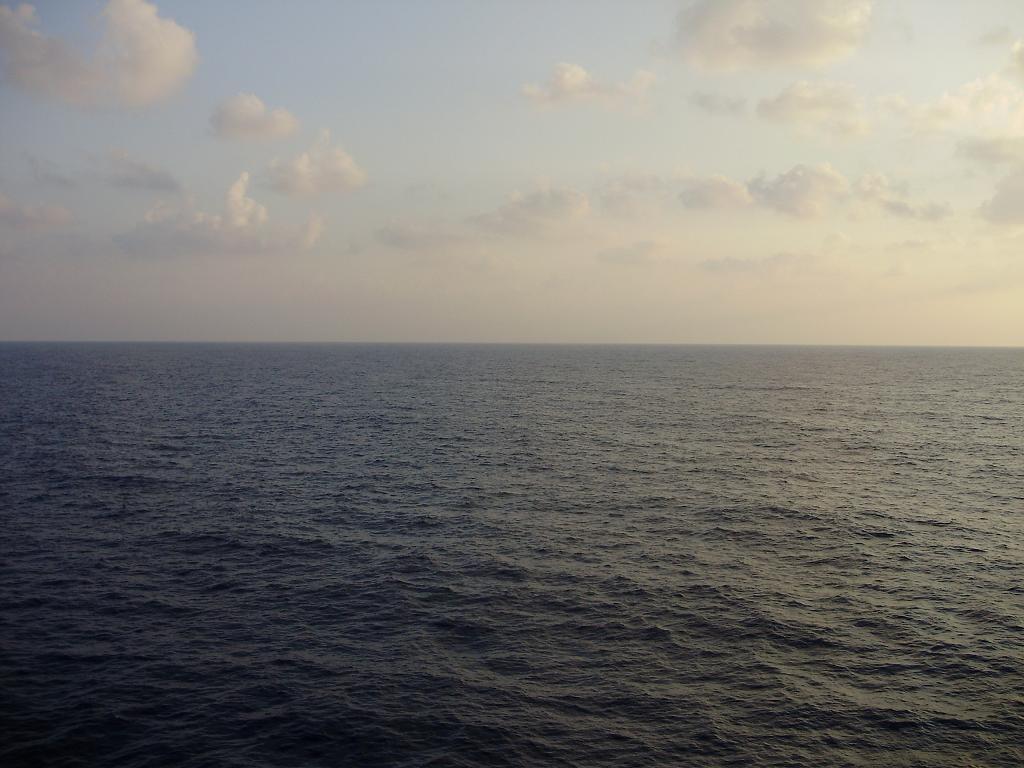 מים בים