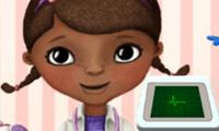 רופאת בובות