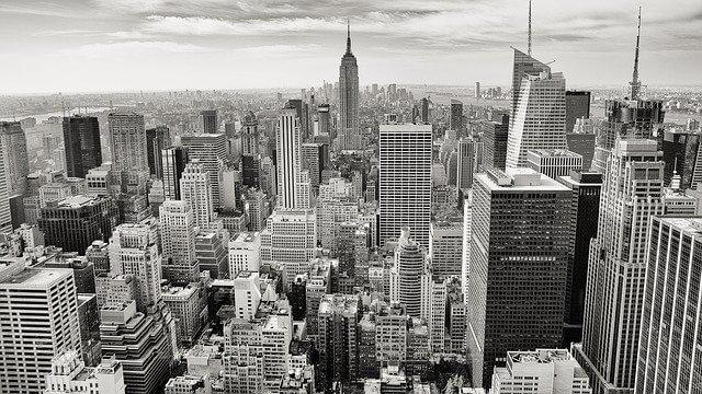 עיר בשחור לבן