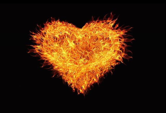 לב אש רקע שחור